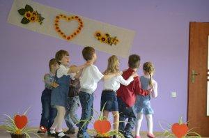 Vystúpenie detí z MŠ - Az óvodások fellépése